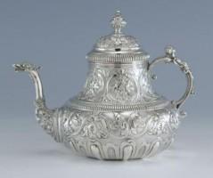 Zilveren theepot uit Franeker aangekocht